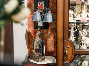 светильник со скульптурой Клэр