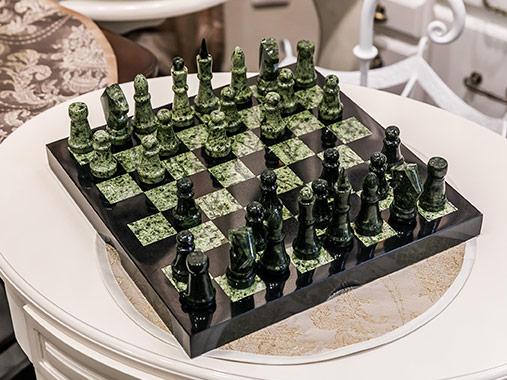 Шахматы из змеевика 290